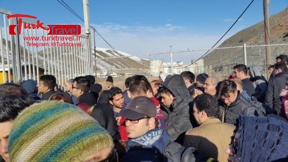 بسته شدن مرز رازی - سفرنامه نوروزی وان از خانم مهرنوش