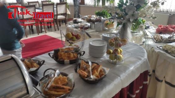 ذائقه غذایی مردم وان ترکیه - سفرنامه نوروزی وان از خانم مهرنوش