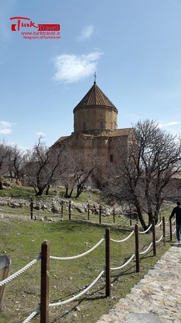 ورودی کلیسای آکدامار