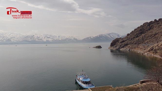 بازدید از دریاچه وان