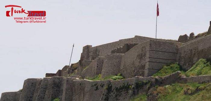 عکس قلعه تاریخی وان