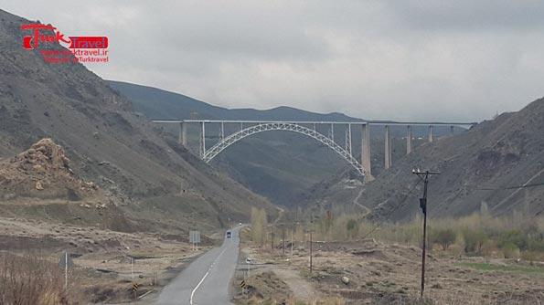 پل قطور - سفرنامه نوروزی وان از خانم مهرنوش