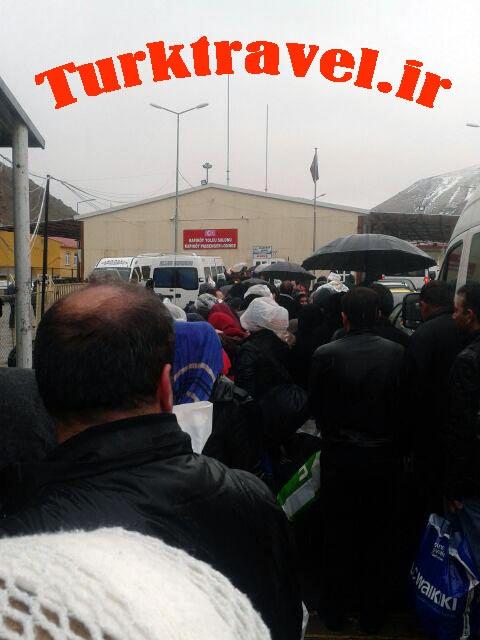 ترافیک شدید مسافر در مرز رازی خوی - سفرنامه تبریز به وان - آقا پارسا
