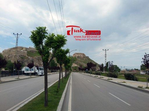 مسیر دسترسی به قلعه وان