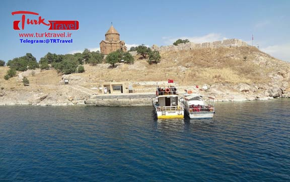 جزیره و کلیسای آکدامار